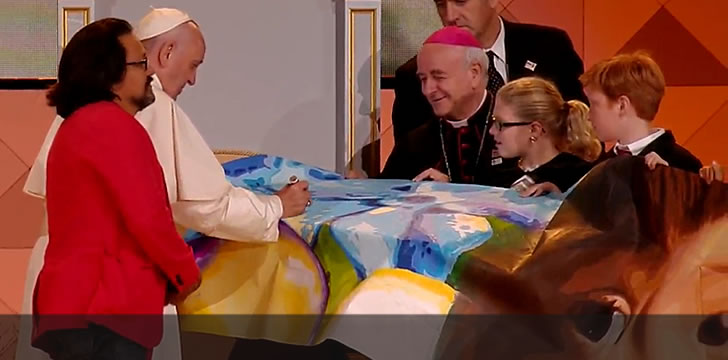 Pope Francis Signs Mural By Artist Cesar Viveros