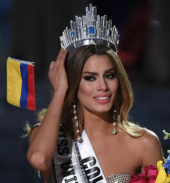 Miss Colombia cries after discovering she is mistakenly crowned Miss Universe