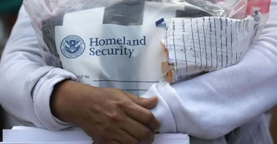 Doctors decry plans to detain immigrant kids with parents